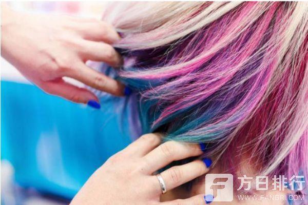 理发店帮忙染发手工费多少 自己买的染发剂怎么调