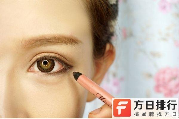 棕色眼线笔什么效果 棕色的眼线笔好看吗