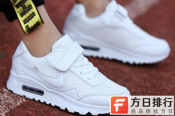 清洗小白鞋的注意事项 白鞋网面脏了如何清理
