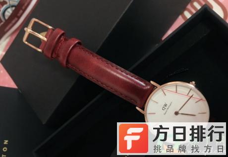 dw手表红线膜要撕吗 dw手表为什么会有红线