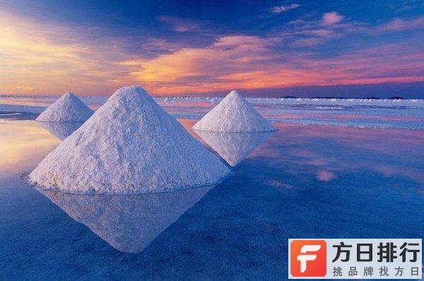 南美洲的乌尤尼盐湖介绍 被誉为世界上最大的镜子