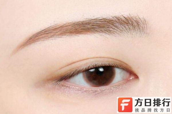 先睫毛膏还是眼影 裸妆眼影用什么颜色