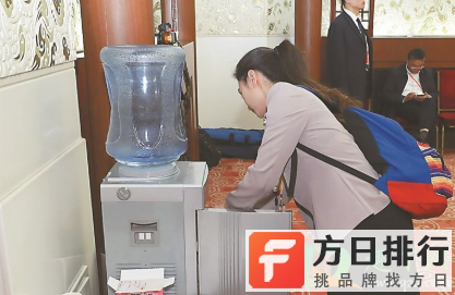 为什么饮水机里出来的水脏 饮水机出来的水脏怎么办