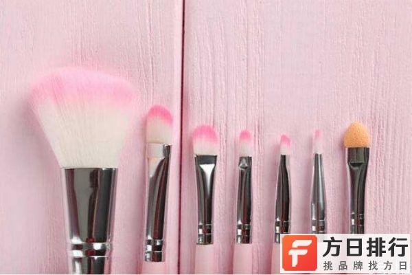 化妆刷能用来干洗吗 化妆刷可以用洗面奶洗吗