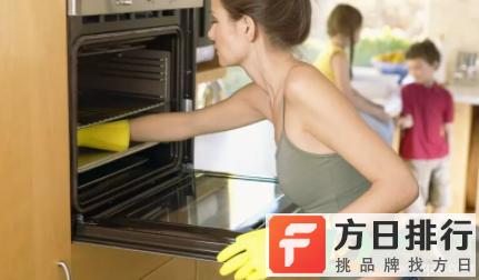 烤箱底部怎么清理焦糊 烤箱里面底部的油渍怎么清洗