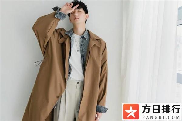 男生风衣叠搭图片 风衣怎么叠穿好看