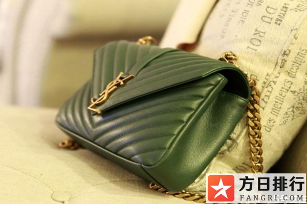 墨绿色包包的搭配方法 墨绿色包包应该怎么搭配