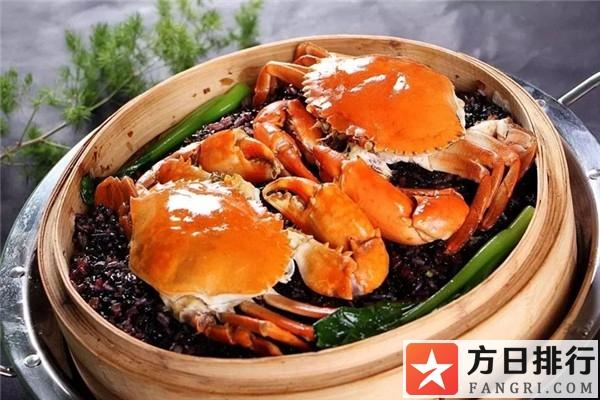 蒸螃蟹为什么要绑起来 蒸螃蟹时绑螃蟹的绳要不要解开