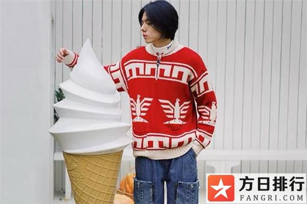 男生秋季毛衣搭配图片 男生秋天穿什么毛衣好看