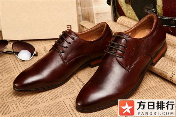 皮鞋为什么不能穿白袜 皮鞋配什么颜色袜子