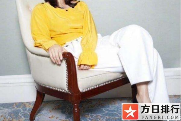 白色的裤子搭配上衣的方法 白色的裤子怎么搭配上衣