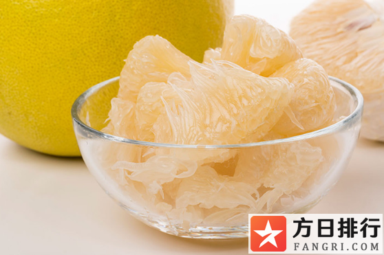 柚子一股药水味正常吗 柚子吃着一股药味是坏了吗