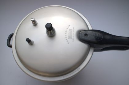 高压锅煮稀饭多久合适 高压锅压稀饭上气几分钟关火
