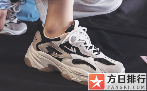 鞋在湿瓷砖上滑是假的吗 鞋子在瓷砖上太滑了怎么办