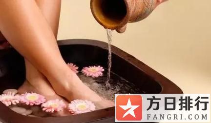 用精油泡脚可以天天泡吗 泡脚用精油还是泡脚包好